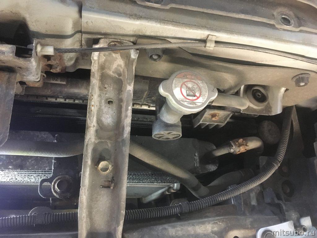 Радиатор вариатора более вытянутый